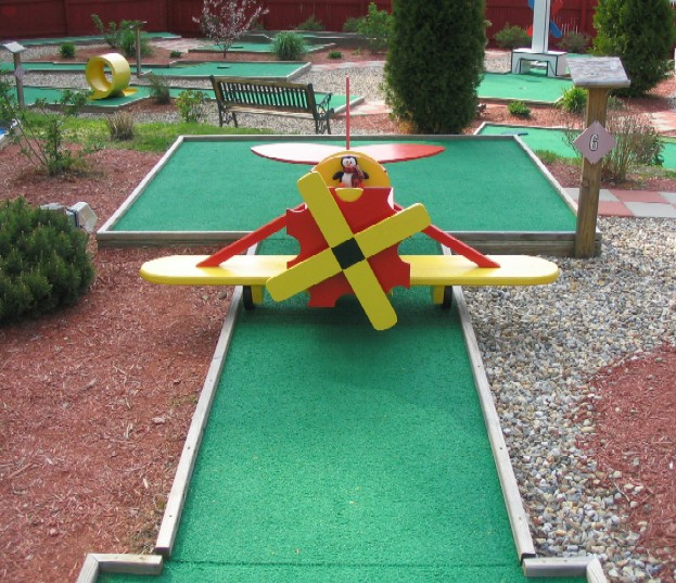 Putt-n-dine Miniature Golf
