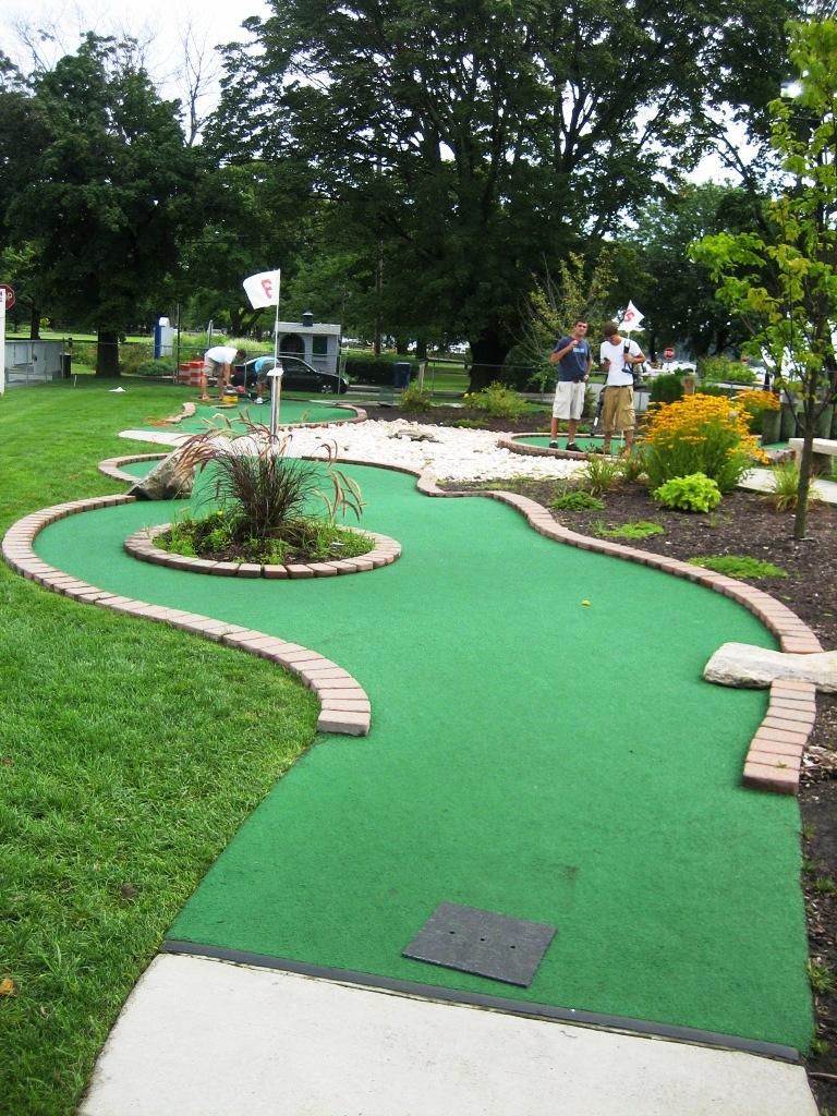 Norwalk mini golf